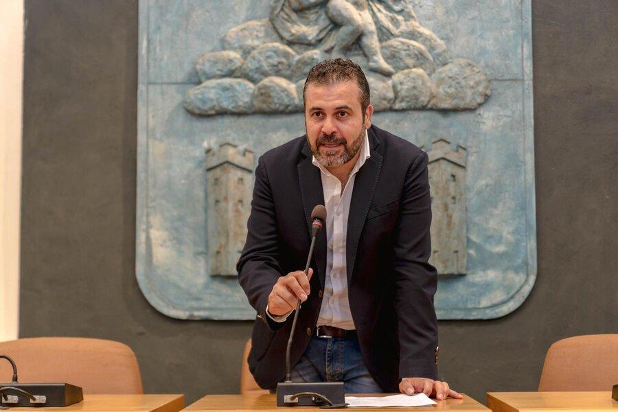 """Allarme blatte, Maiorano: """"Versante orientale dimenticato, l'Aqp intervenga con urgenza"""""""