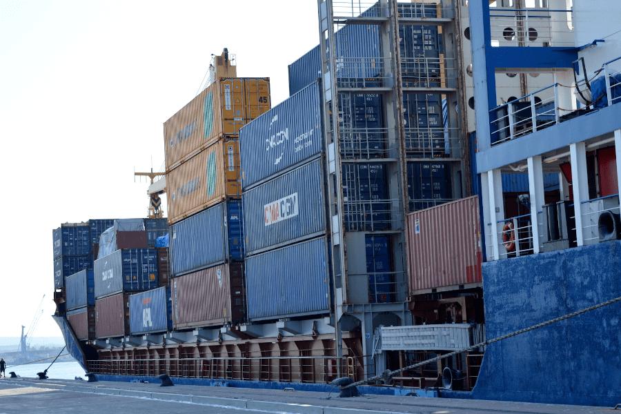 Taranto, prima nave per il molo polisettoriale