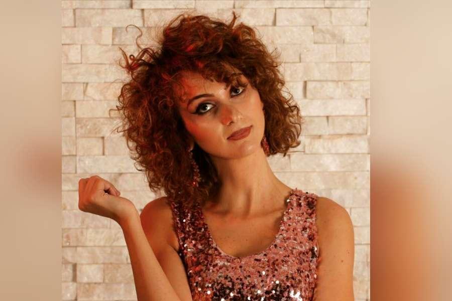 """Fuori oggi """"Outsider"""", il terzo singolo di Antonella"""