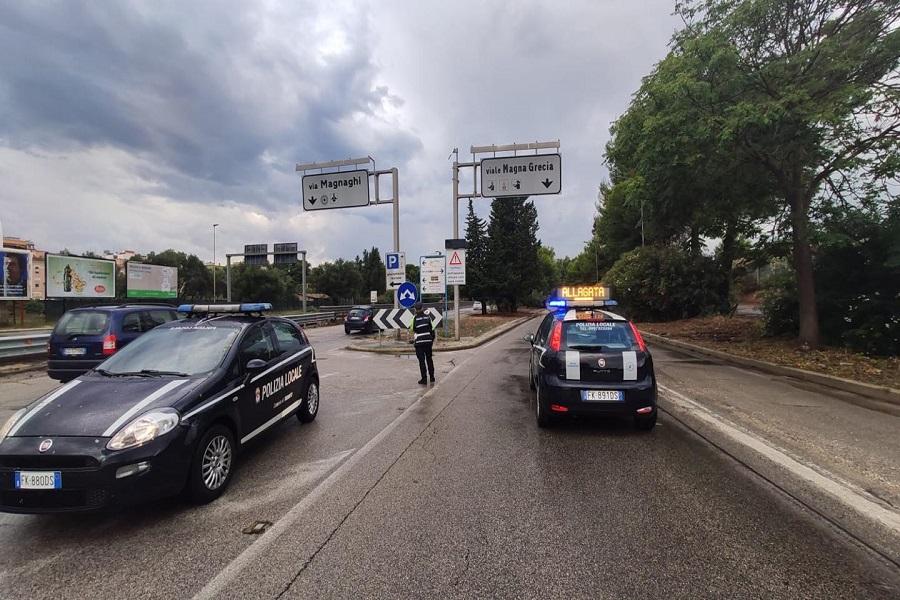 Maltempo Taranto, la Polizia presidia i sottopassaggi