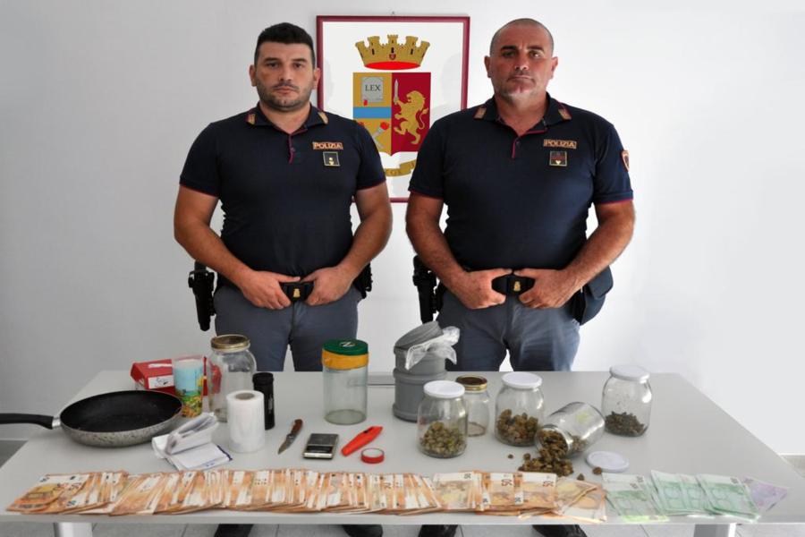 """Grottaglie: droga in uno """"studio di registrazione"""": denunciati due gemelli"""