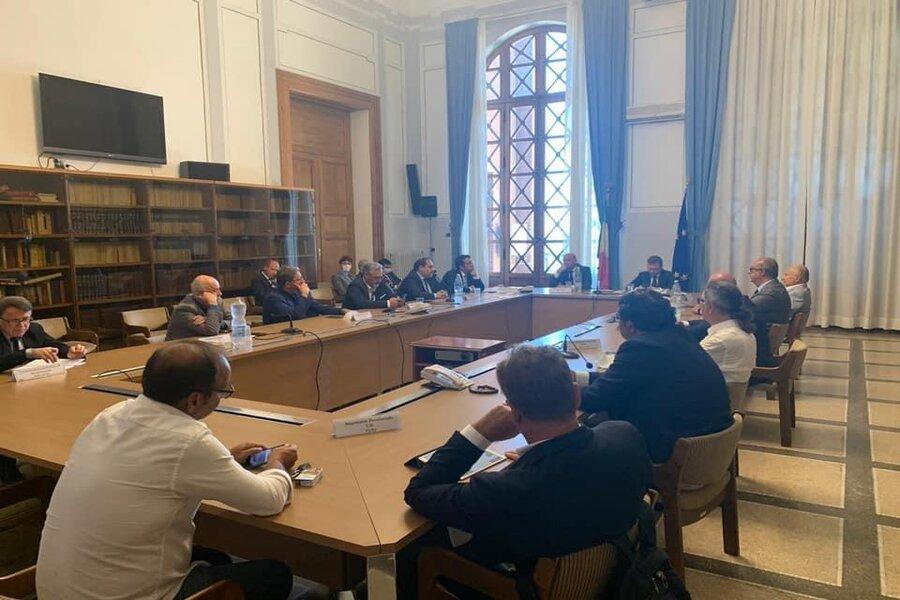 Taranto, tavolo in Prefettura con il Ministro per il Sud