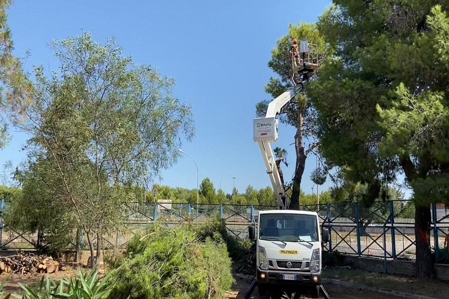 Taranto, al via gli interventi nei giardini delle scuole