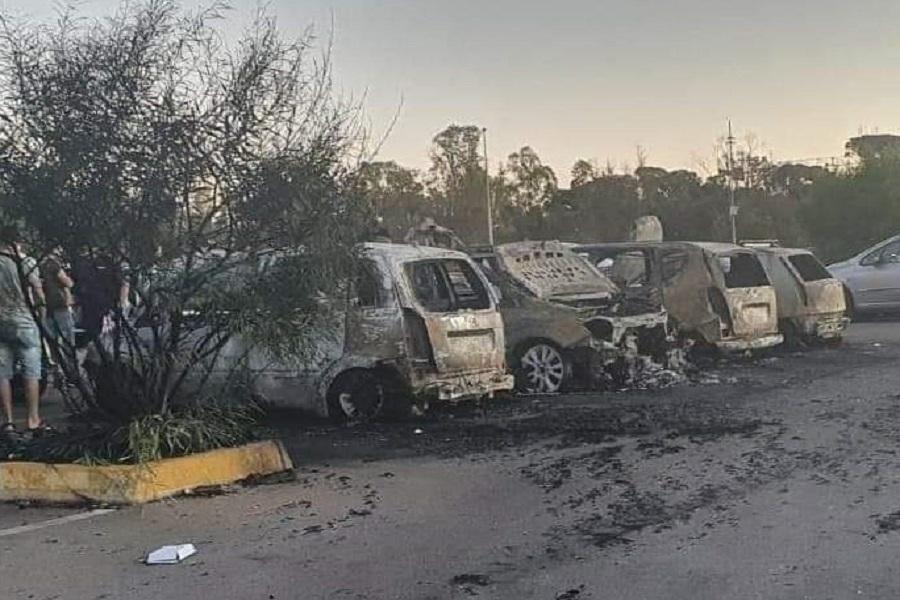 Taranto, incendiate auto davanti portineria ArcelorMittal