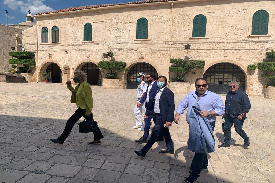 Taranto, oggi la visita dell'ex Ministro della Difesa Roberta Pinotti
