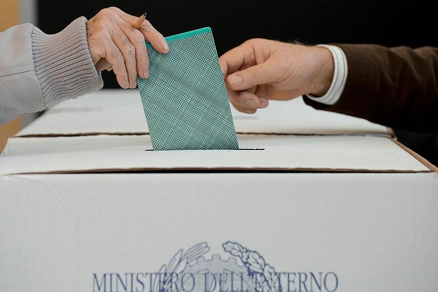 Regionali Puglia e Referendum, l'affluenza alle ore 19.00