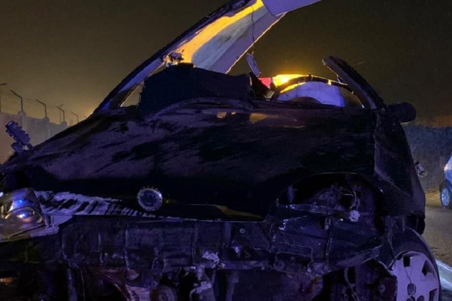 Taranto, auto si ribalta: un ferito grave