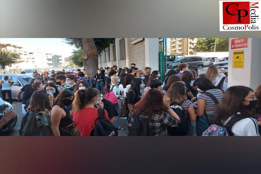 """Scuola, sindacati a Emiliano: """"Ordinanza inaccettabile"""""""