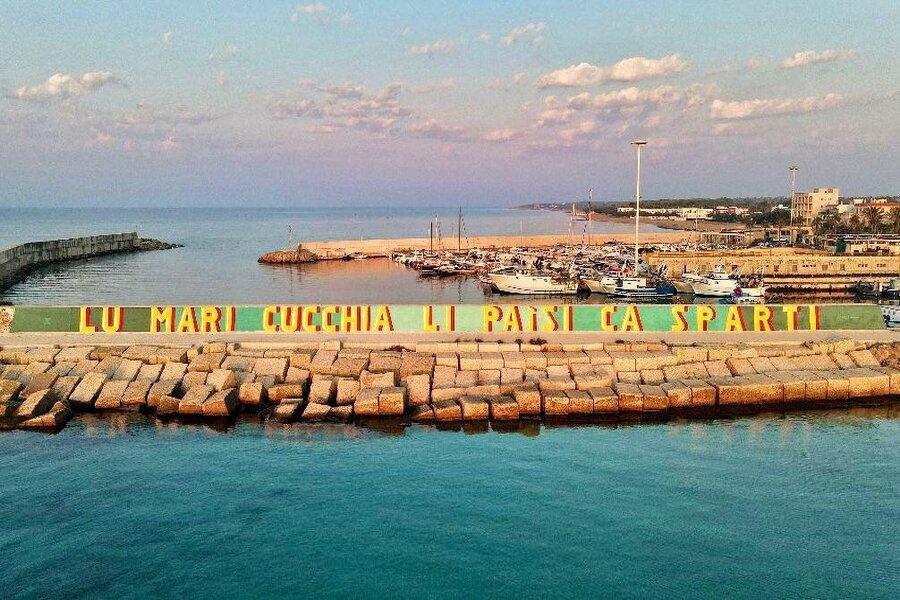 Porto di Campomarino, il molo si colora di una nuova opera artistica