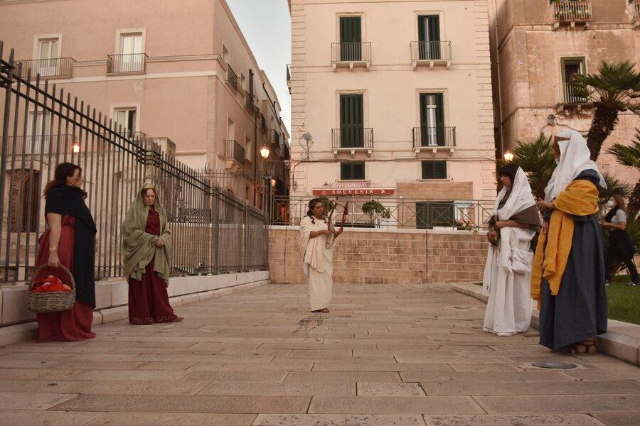 Taranto, a spasso 'Tra i vicoli della storia'