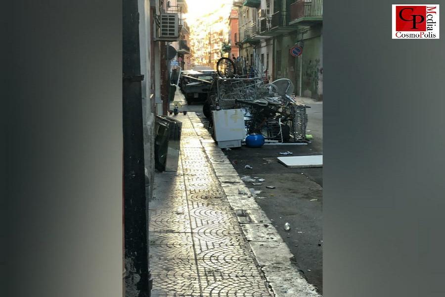 """""""A Taranto alcuni quartieri una vera discarica"""""""