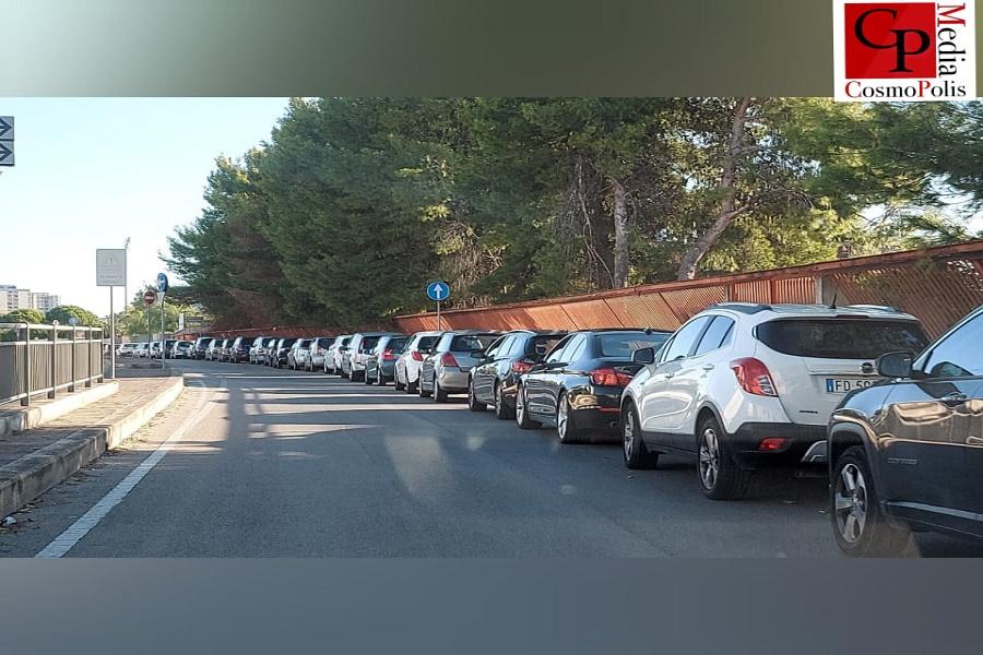 Covid, Taranto: ancora lunghe file per i tamponi