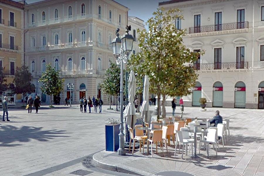 Taranto, attività commerciali: confermato suolo pubblico extra