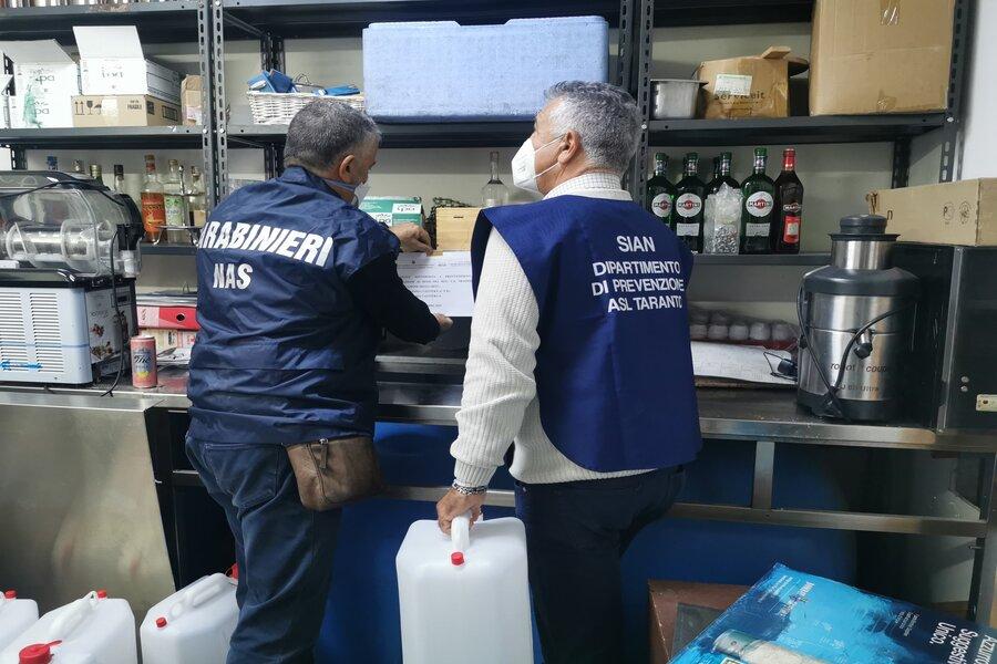 Taranto, i NAS chiudono un locale